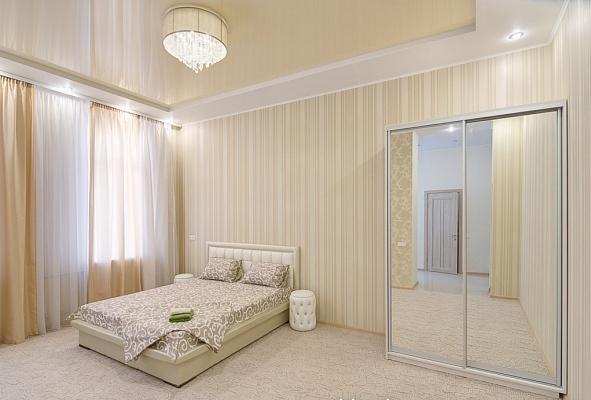 1-комнатная квартира посуточно в Харькове. Дзержинский район, ул. Сумская, 53. Фото 1
