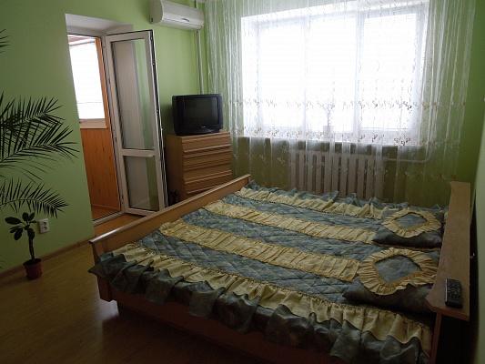 1-комнатная квартира посуточно в Житомире. ул. Московская, 30. Фото 1