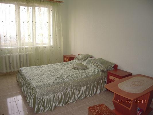 1-комнатная квартира посуточно в Киеве. Деснянский район, ул. Лисковская, 14. Фото 1
