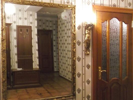 2-комнатная квартира посуточно в Миргороде. ул. Билыка, 3. Фото 1