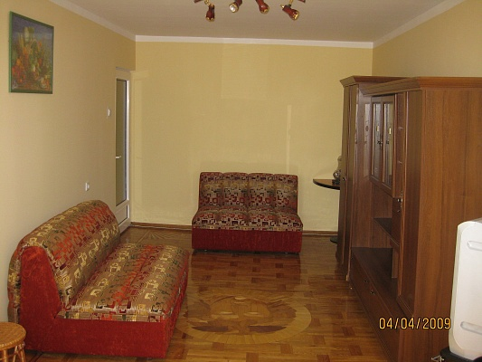 3-комнатная квартира посуточно в Ялте. ул. Свердлова, 49. Фото 1