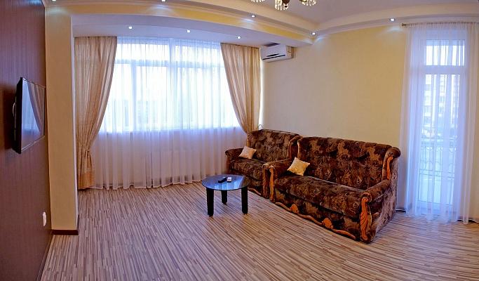 2-комнатная квартира посуточно в Севастополе. Гагаринский район, ул. Фадеева, 21. Фото 1