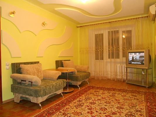 1-комнатная квартира посуточно в Славянске. ул. Батюка, 2. Фото 1