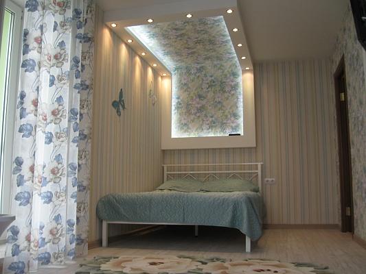1-комнатная квартира посуточно в Донецке. Ворошиловский район, ул. Университетская, 1. Фото 1