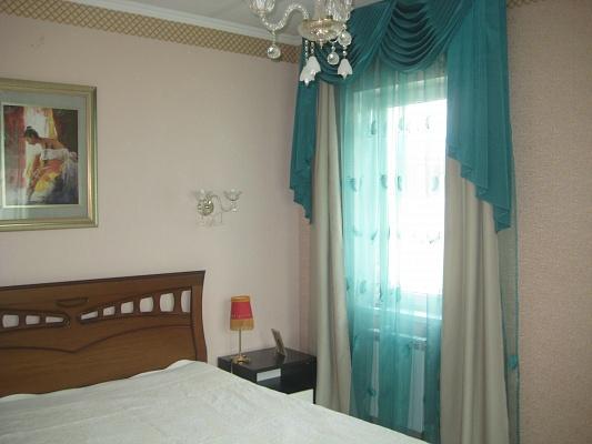 1-комнатная квартира посуточно в Киеве. Подольский район, ул. Маршала Гречко, 3. Фото 1