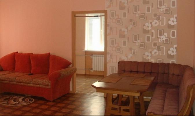 2-комнатная квартира посуточно в Севастополе. Ленинский район, Гоголя, 20в. Фото 1