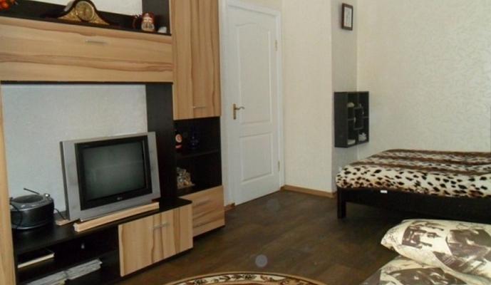 1-комнатная квартира посуточно в Севастополе. Гагаринский район, Меньшикова, 23. Фото 1