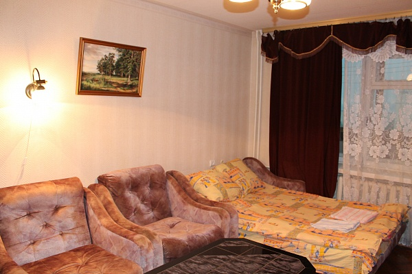 1-комнатная квартира посуточно в Киеве. Днепровский район, ул. Мильчакова Александра, 3а. Фото 1