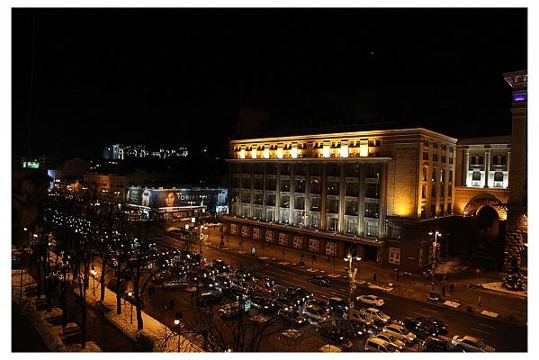 2-комнатная квартира посуточно в Киеве. Печерский район, ул.Крещатик, 21. Фото 1