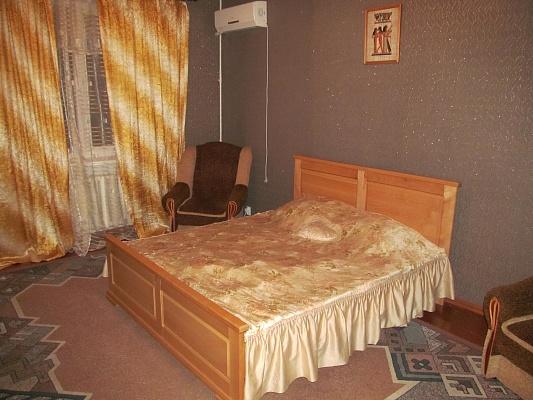 3-комнатная квартира посуточно в Измаиле. пр-т Ленина, 16. Фото 1