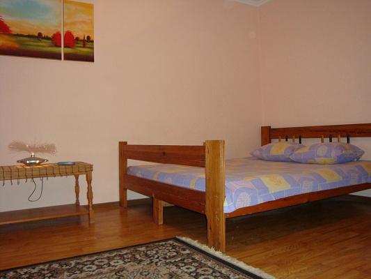 1-комнатная квартира посуточно в Хмельницком. ул. Соборная, 43. Фото 1
