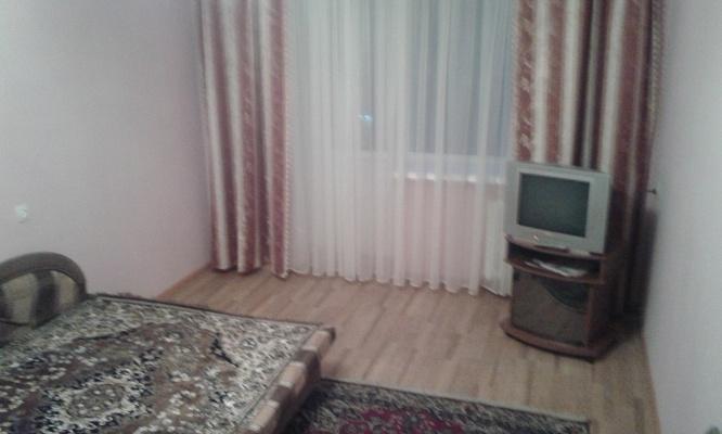 1-комнатная квартира посуточно в Чернигове. Новозаводской район, ул. Комсомольская, 58. Фото 1