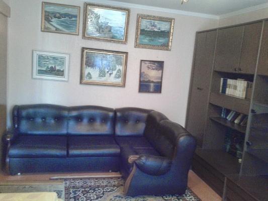 2-комнатная квартира посуточно в Энергодаре. пр-т Энергетиков, 9. Фото 1