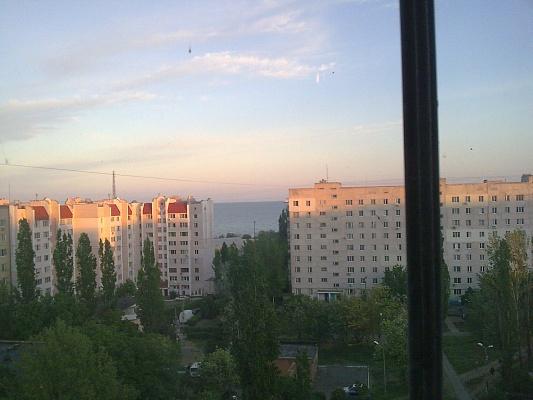 3-комнатная квартира посуточно в Южном (Крым). ул. Строителей, 9. Фото 1
