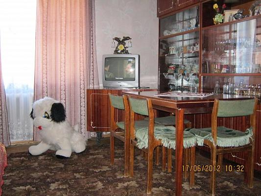 2-комнатная квартира посуточно в Моршине. ул. 50 лет-УПА, 10. Фото 1