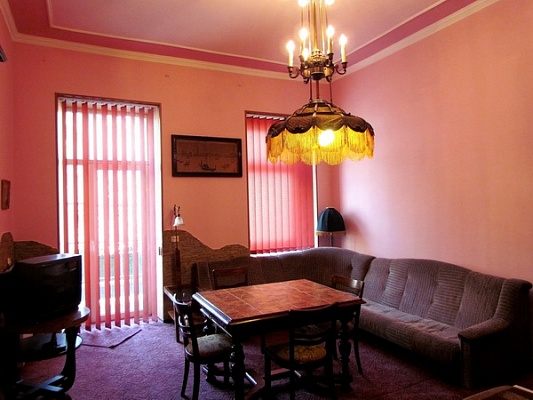 2-комнатная квартира посуточно в Львове. Галицкий район, Ивана Франко, 51. Фото 1