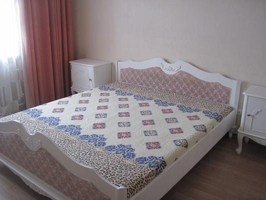 2-комнатная квартира посуточно в Одессе. Киевский район, ул. Ак. Королёва, 104. Фото 1