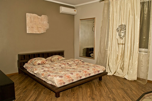 1-комнатная квартира посуточно в Киеве. Печерский район, ул. Федорова, 6А. Фото 1