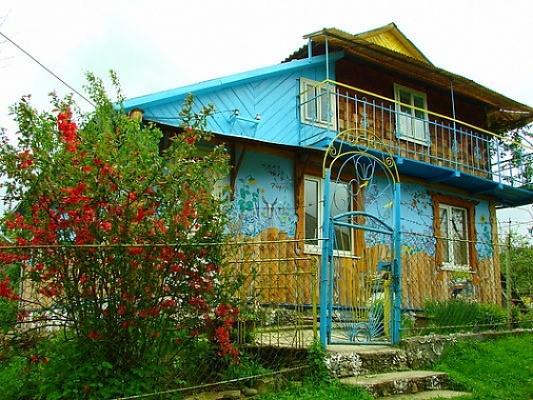 Дом  посуточно в Верховине. ул. Гуцульского Восстания, 11. Фото 1