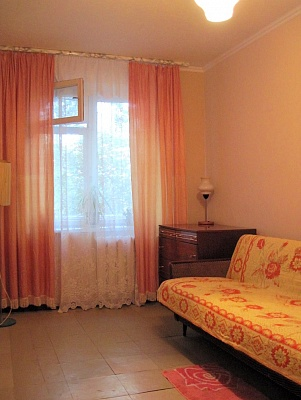 2-комнатная квартира посуточно в Никополе. ул. Шевченко, 198. Фото 1