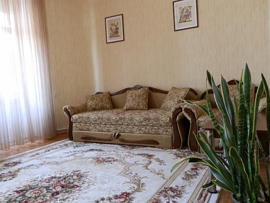 2-комнатная квартира посуточно в Виннице. Ленинский район, ул. Соборная, 54. Фото 1