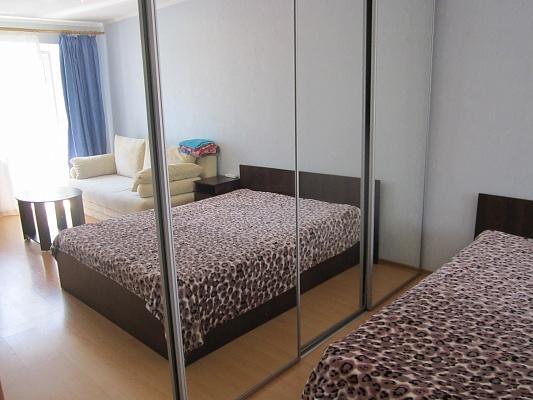 1-комнатная квартира посуточно в Кременчуге. ул. Октябрьская, 27. Фото 1