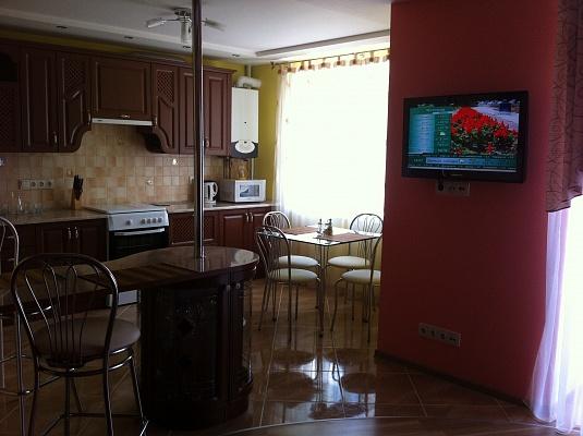 2-комнатная квартира посуточно в Тернополе. ул. Лысенка, 9. Фото 1