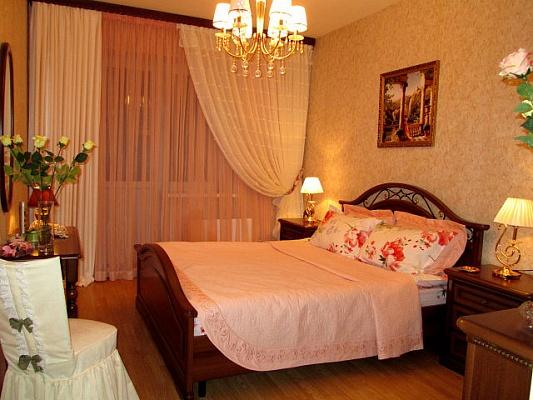 2-комнатная квартира посуточно в Виннице. Ленинский район, пл.Гагарина, 4. Фото 1