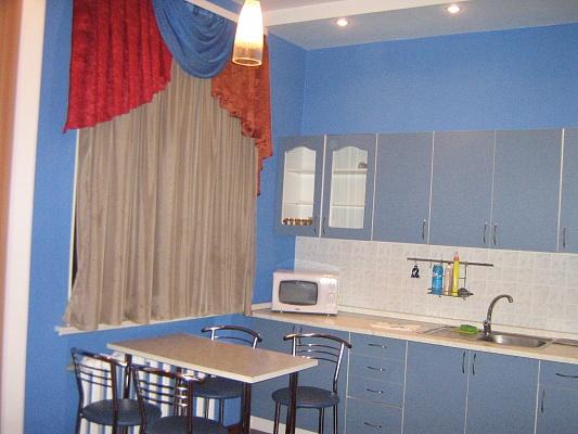2-комнатная квартира посуточно в Донецке. Ворошиловский район, б-р Пушкина, 26. Фото 1
