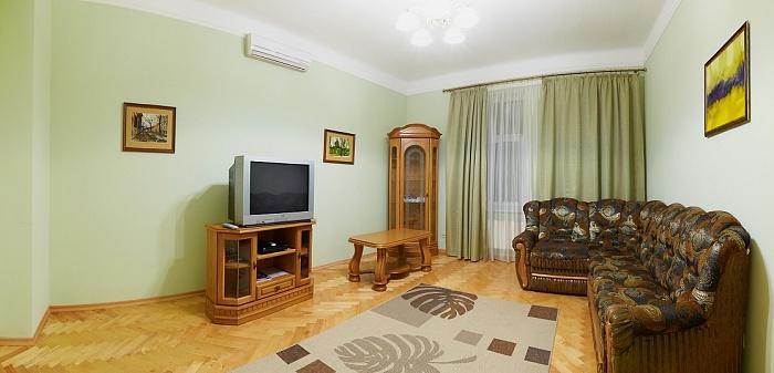 2-комнатная квартира посуточно в Львове. Галицкий район, ул. НАЛИВАЙКА, 12. Фото 1