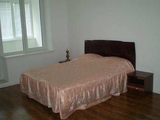 2-комнатная квартира посуточно в Каменце-Подольском. ул. Драгоманова, 12. Фото 1