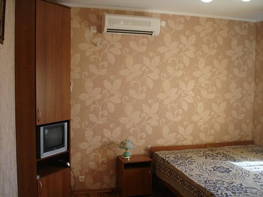 Дом  посуточно в Феодосии. ул. Профсоюзный, 1. Фото 1