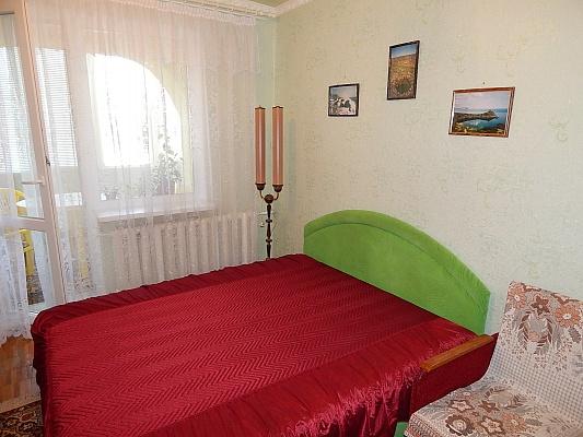2-комнатная квартира посуточно в Феодосии. б-р Старшинова, 25. Фото 1