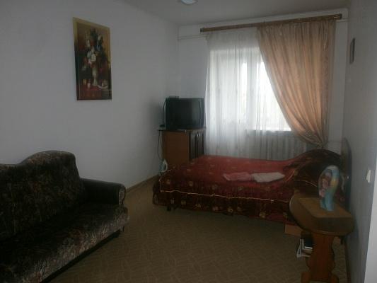 1-комнатная квартира посуточно в Хмельницком. ул. Каменецкая, 109. Фото 1
