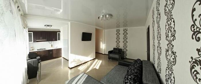 2-комнатная квартира посуточно в Николаеве. Центральный район, ул. Шевченко, 75. Фото 1