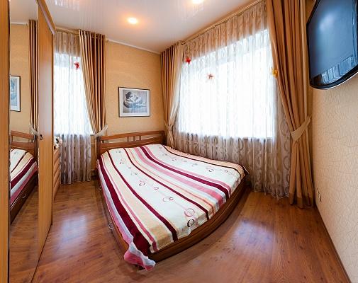 2-комнатная квартира посуточно в Одессе. Приморский район, ул. Пушкинская, 41. Фото 1