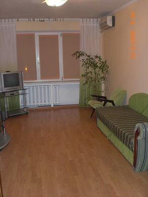 1-комнатная квартира посуточно в Одессе. Киевский район, ул. Ильфа и Петрова, 19. Фото 1