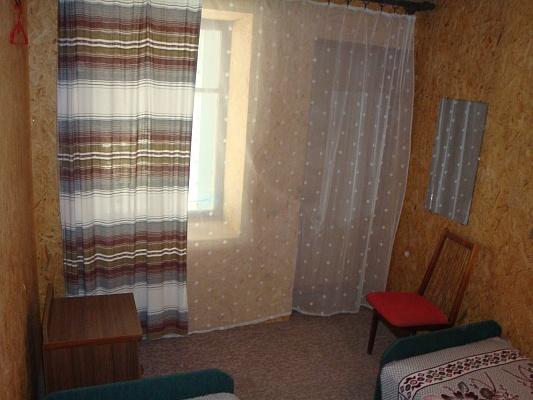 Комната  посуточно в Саках. поповка рыбалко, 42. Фото 1