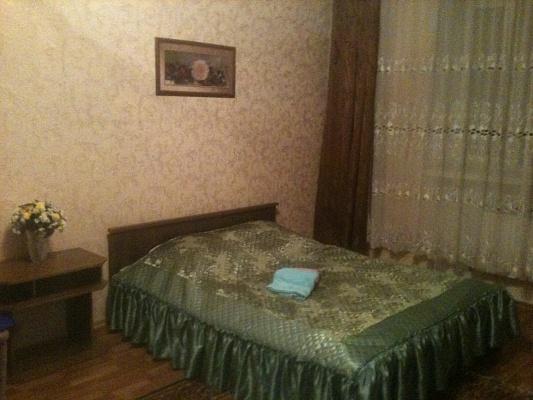 1-комнатная квартира посуточно в Хмельницком. Хмельницкий, Заречанская,, 44/1. Фото 1