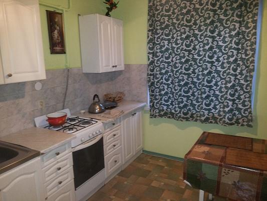 2-комнатная квартира посуточно в Львове. Сыховский район, ул. Драгана, 1. Фото 1
