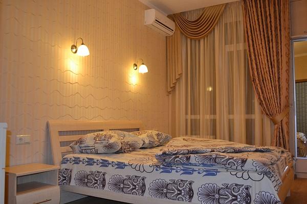 3-комнатная квартира посуточно в Одессе. Приморский район, ул. Ясная, 10. Фото 1