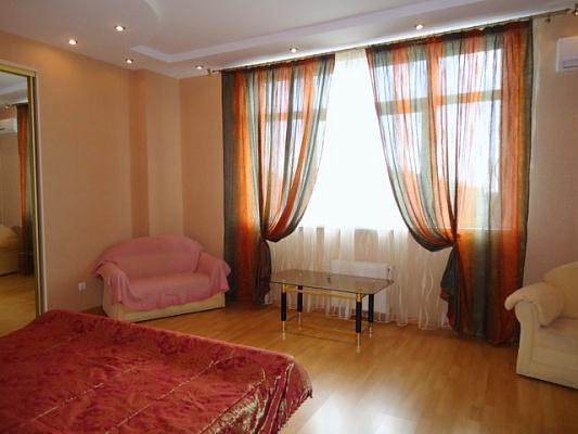 1-комнатная квартира посуточно в Севастополе. Ленинский район, ул. О.Кошевого, 6а. Фото 1