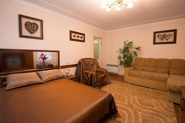 1-комнатная квартира посуточно в Херсоне. Днепровский район, пл. Свободы, 4. Фото 1