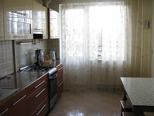 1-комнатная квартира посуточно в Трускавце. ул. Ивасюка, 10. Фото 1