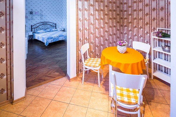 1-комнатная квартира посуточно в Львове. Галицкий район, ул. Нечуя-Левицкого, 12. Фото 1