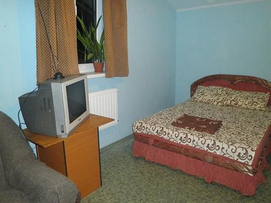 Мини-отель  посуточно в Киеве. Святошинский район, ул. Стеценко, 49. Фото 1