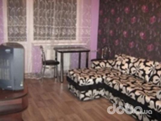 1-комнатная квартира посуточно в Донецке. Калининский район, б-р Шевченко, 97. Фото 1