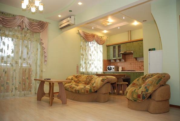 2-комнатная квартира посуточно в Донецке. Калининский район, ул. Барнаульская, 59. Фото 1
