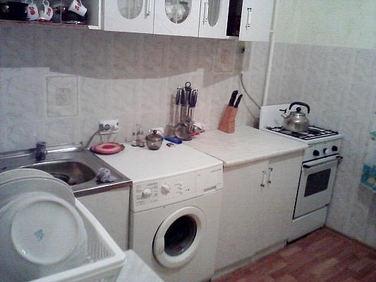1-комнатная квартира посуточно в Николаеве. Заводской район, ул. Лазурная, 36. Фото 1