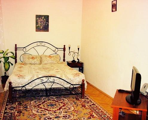 1-комнатная квартира посуточно в Львове. Галицкий район, ул. Наливайка, 9. Фото 1